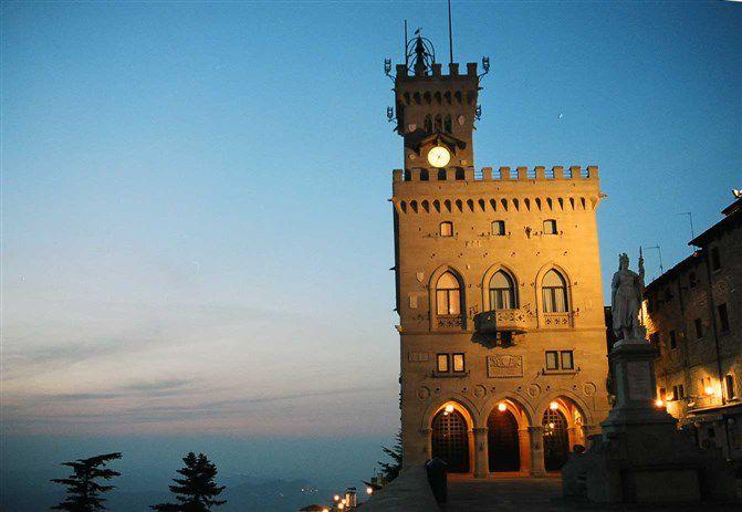 башня которую стоит посмотреть в сан марино